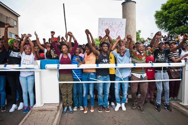 feesmustfall_october_2015_mg_credit